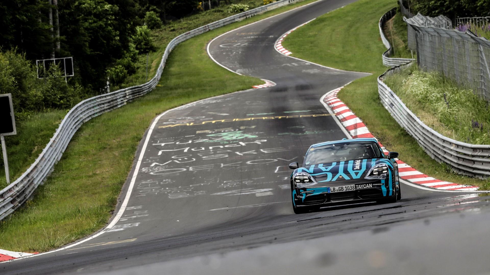 Porsche-Taycan-Nurburgring-record-7