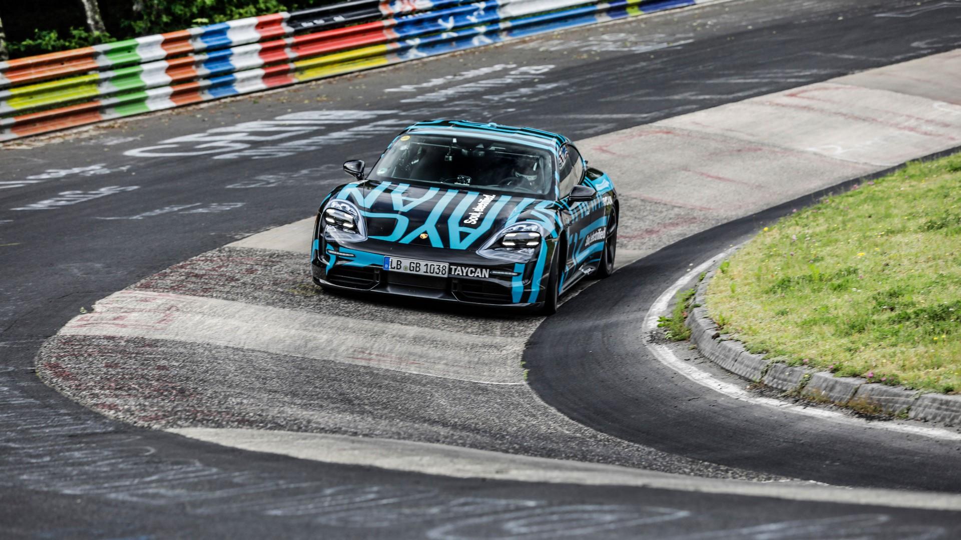 Porsche-Taycan-Nurburgring-record-8