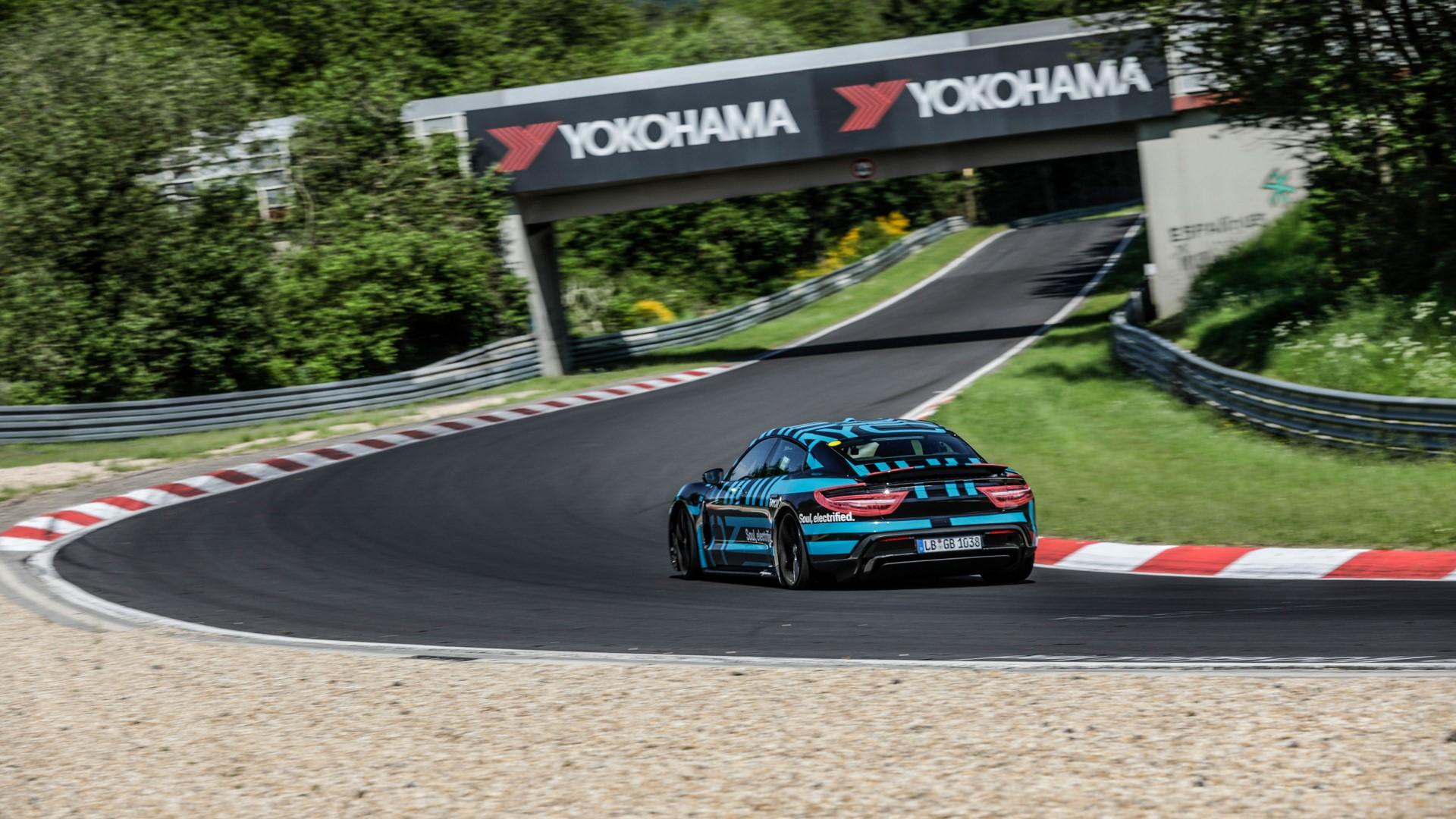 Porsche-Taycan-Nurburgring-record-9