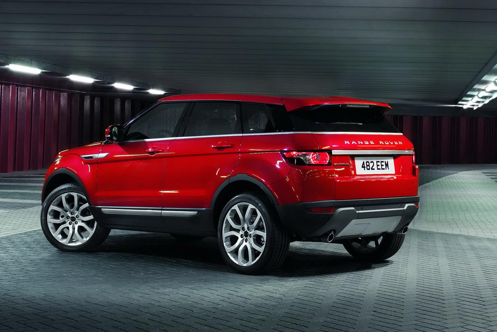 black range rover evoque