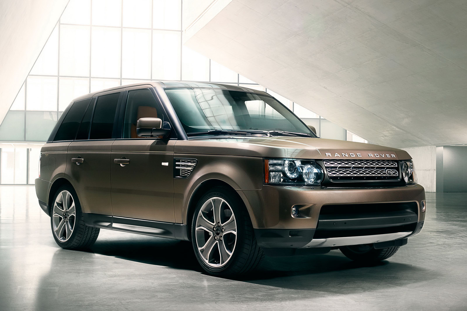 land rover discovery 4 range rover sport 2012. Black Bedroom Furniture Sets. Home Design Ideas