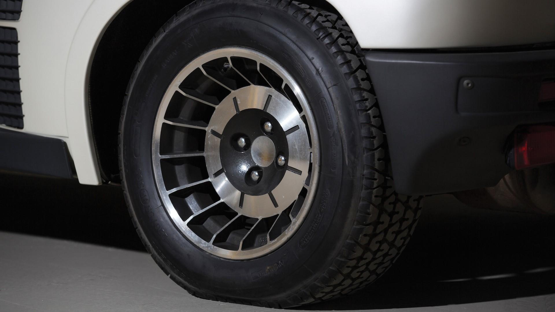 1983-renault-5-turbo-ii-auction (8)