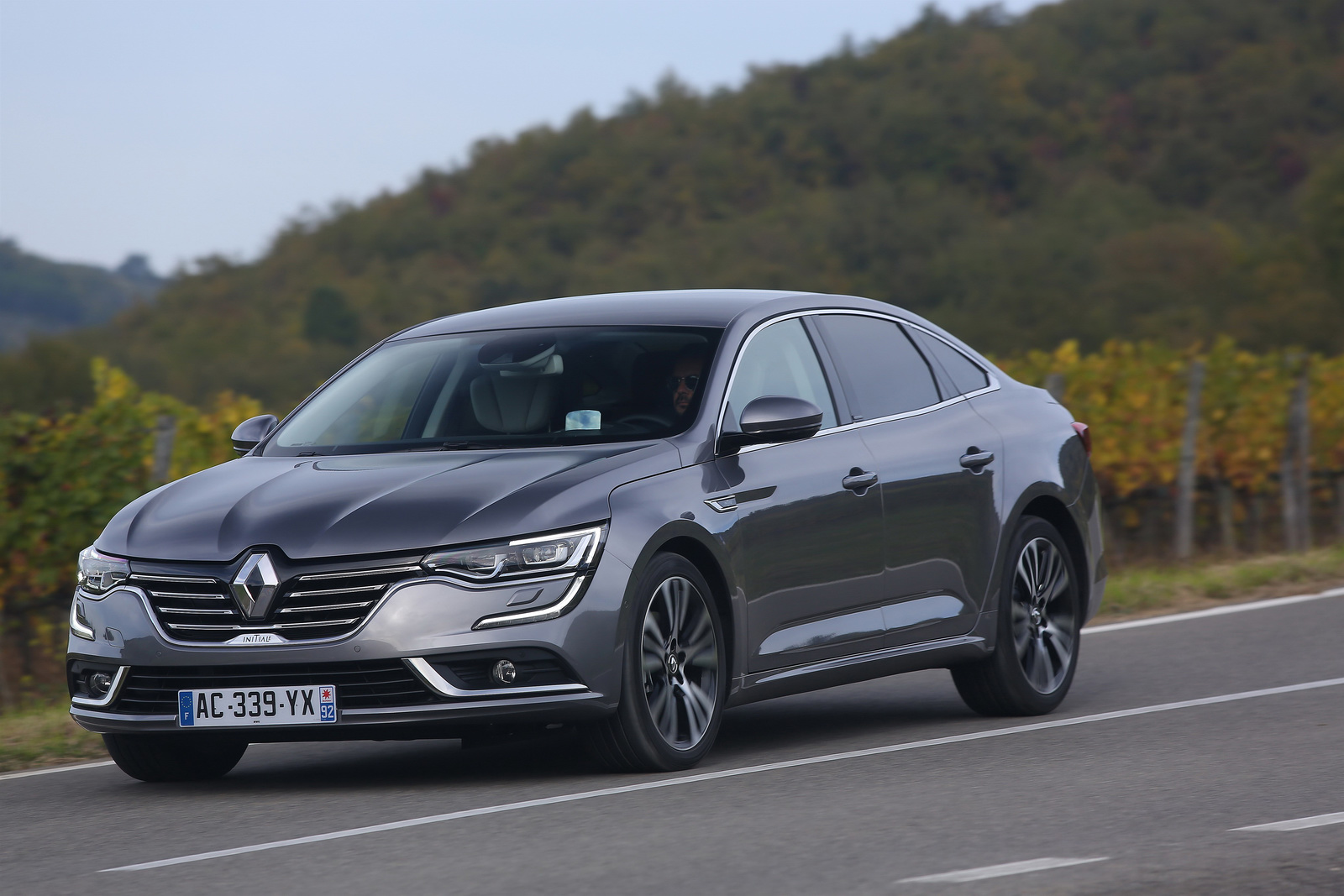 renault talisman photo gallery. Black Bedroom Furniture Sets. Home Design Ideas