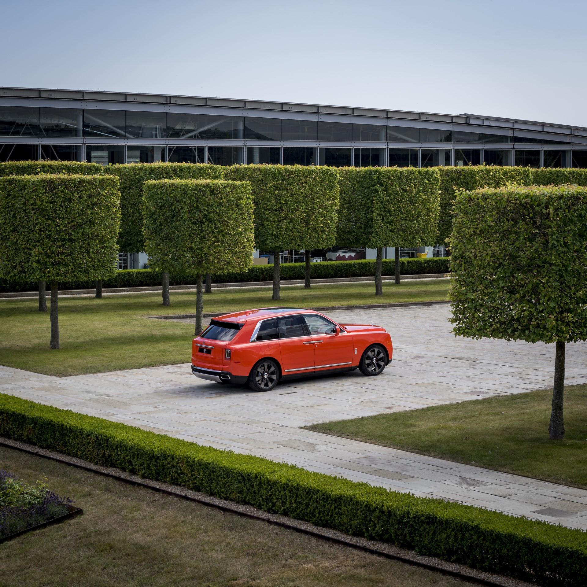 Rolls-Royce-Cullinan-Orange-Fux-13