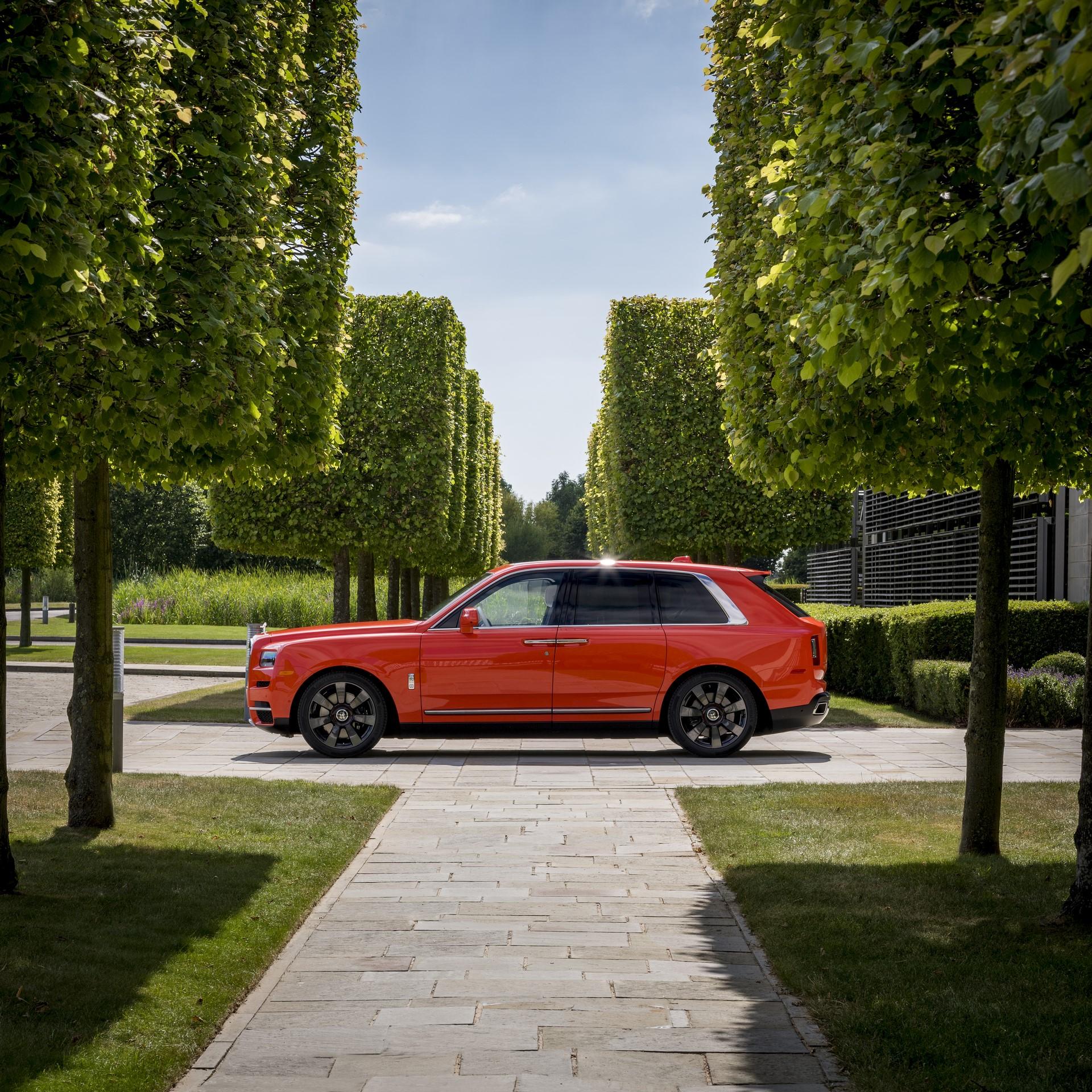 Rolls-Royce-Cullinan-Orange-Fux-14