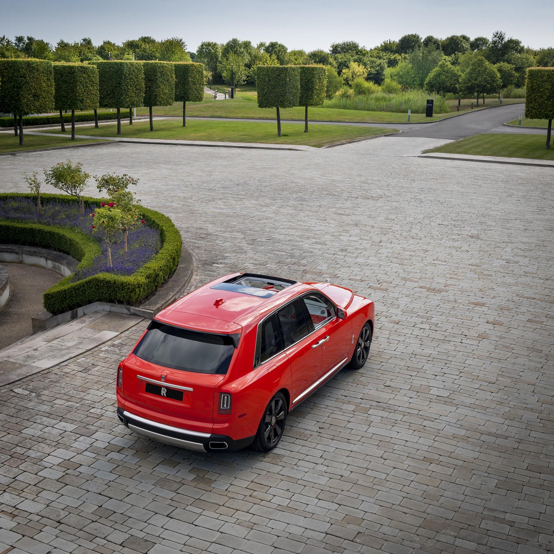 Rolls-Royce-Cullinan-Orange-Fux-15