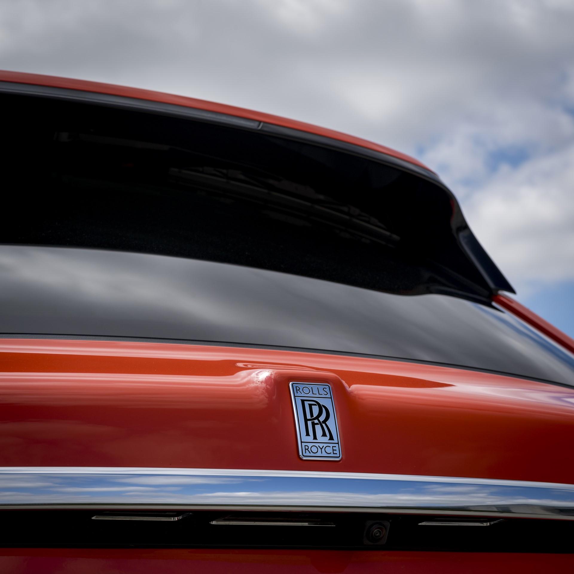 Rolls-Royce-Cullinan-Orange-Fux-18