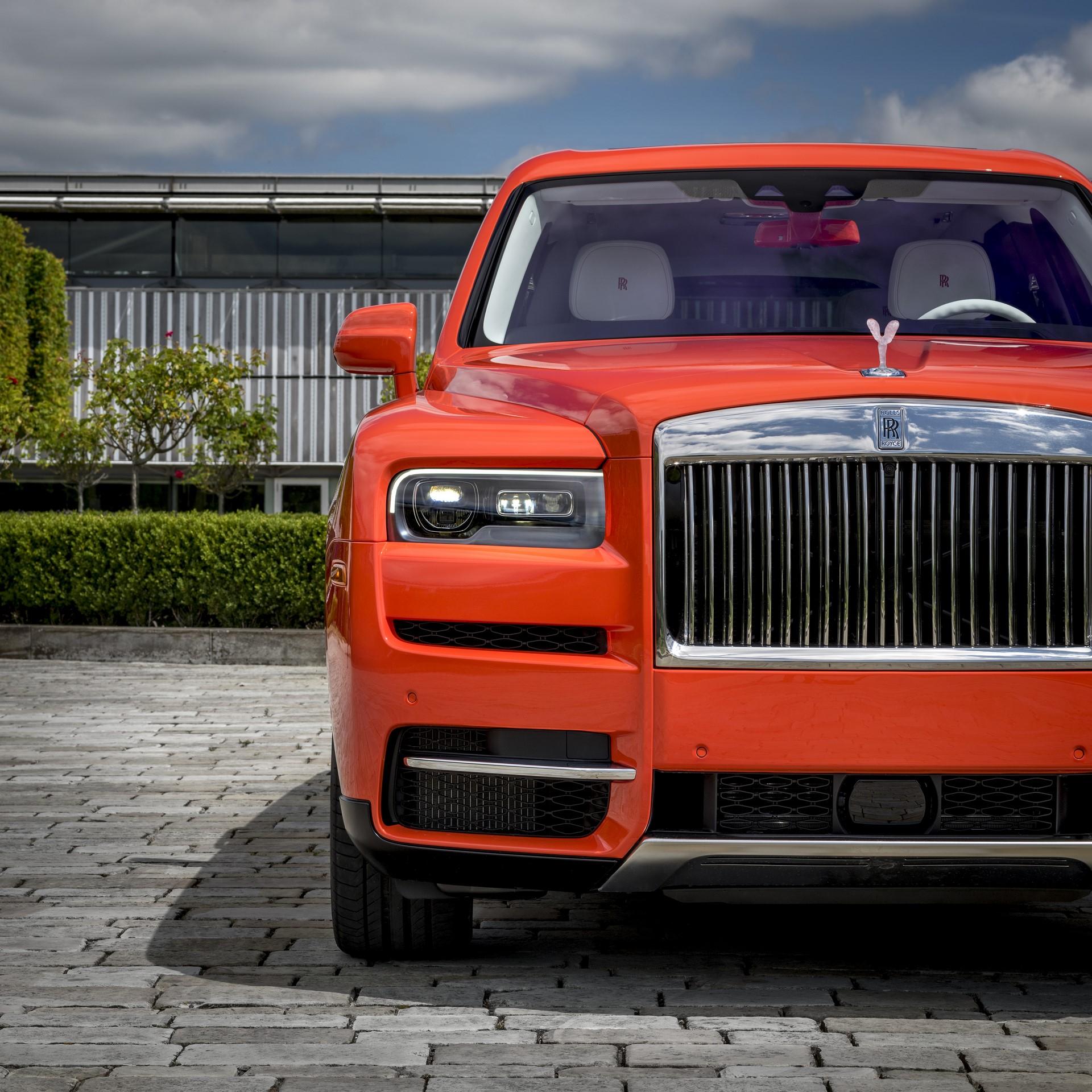 Rolls-Royce-Cullinan-Orange-Fux-2