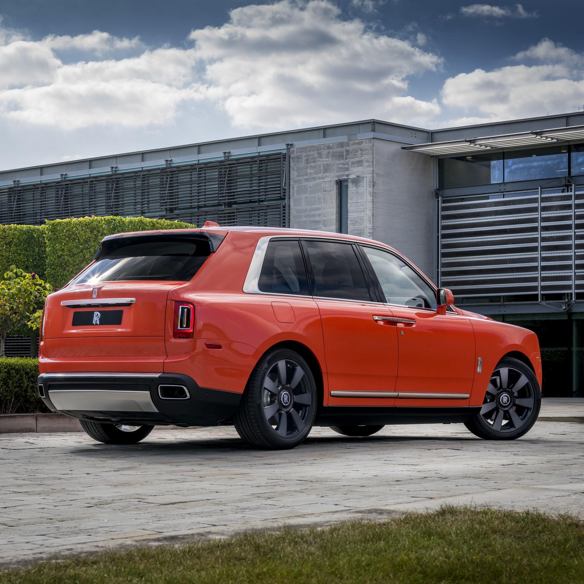Rolls-Royce-Cullinan-Orange-Fux-20