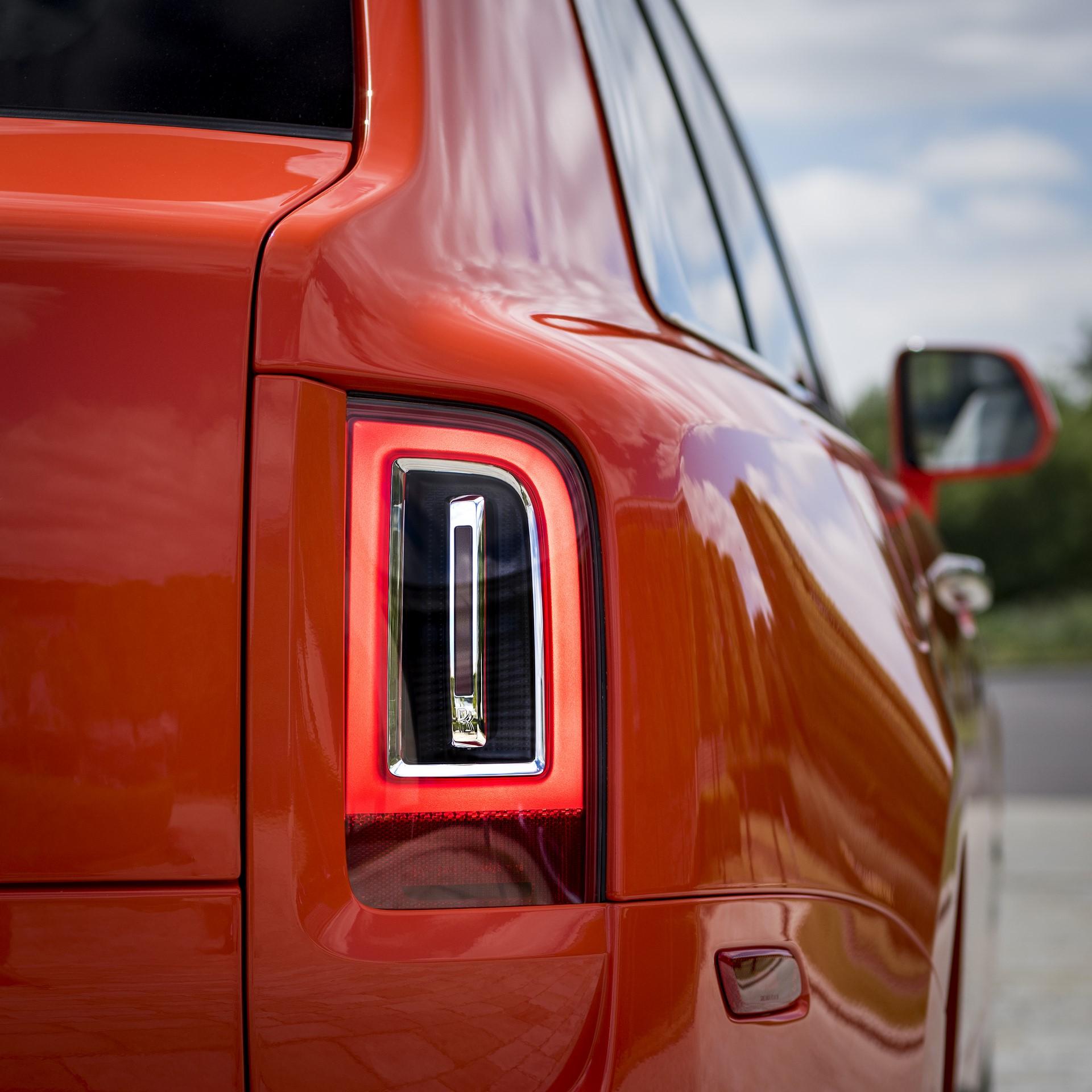 Rolls-Royce-Cullinan-Orange-Fux-21