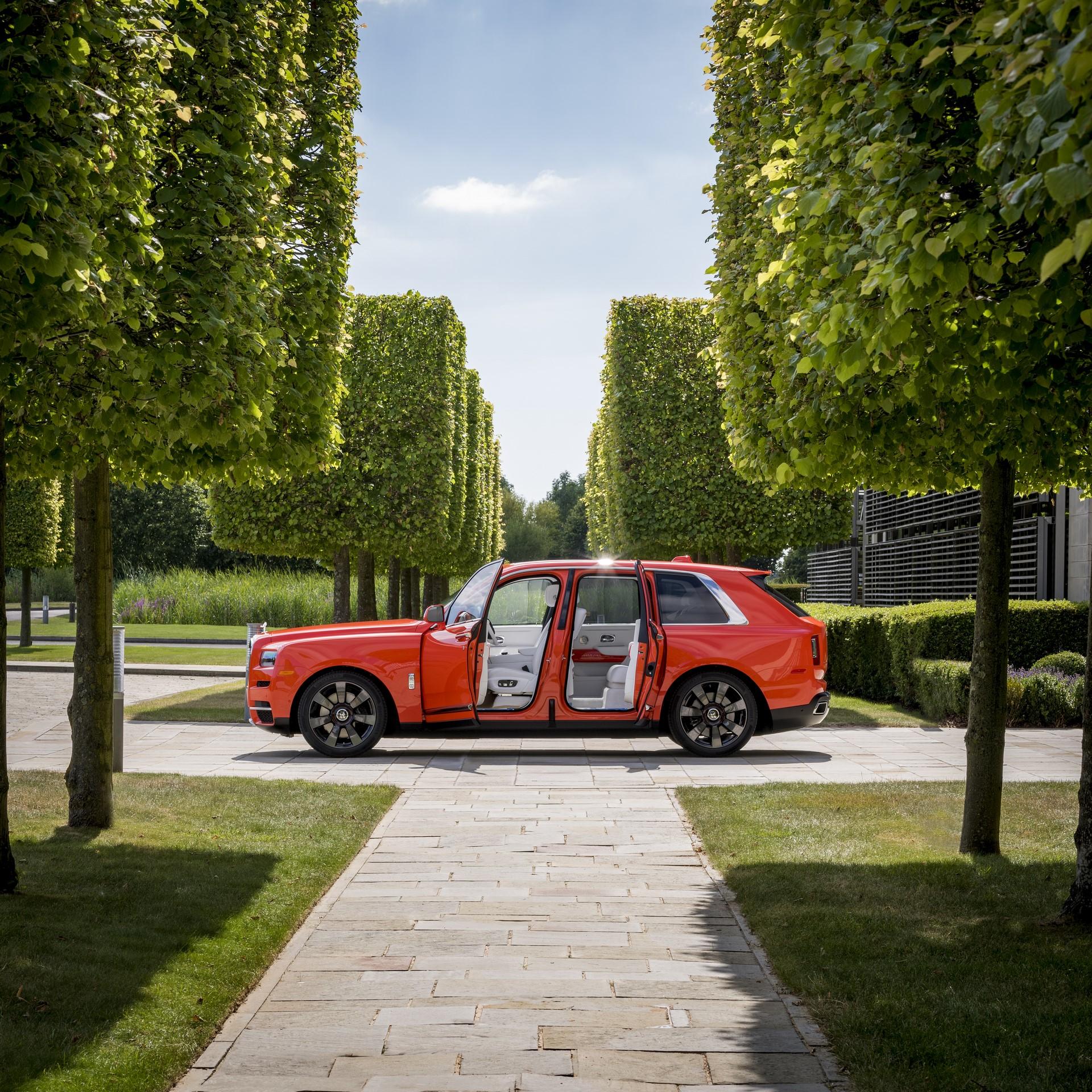 Rolls-Royce-Cullinan-Orange-Fux-7