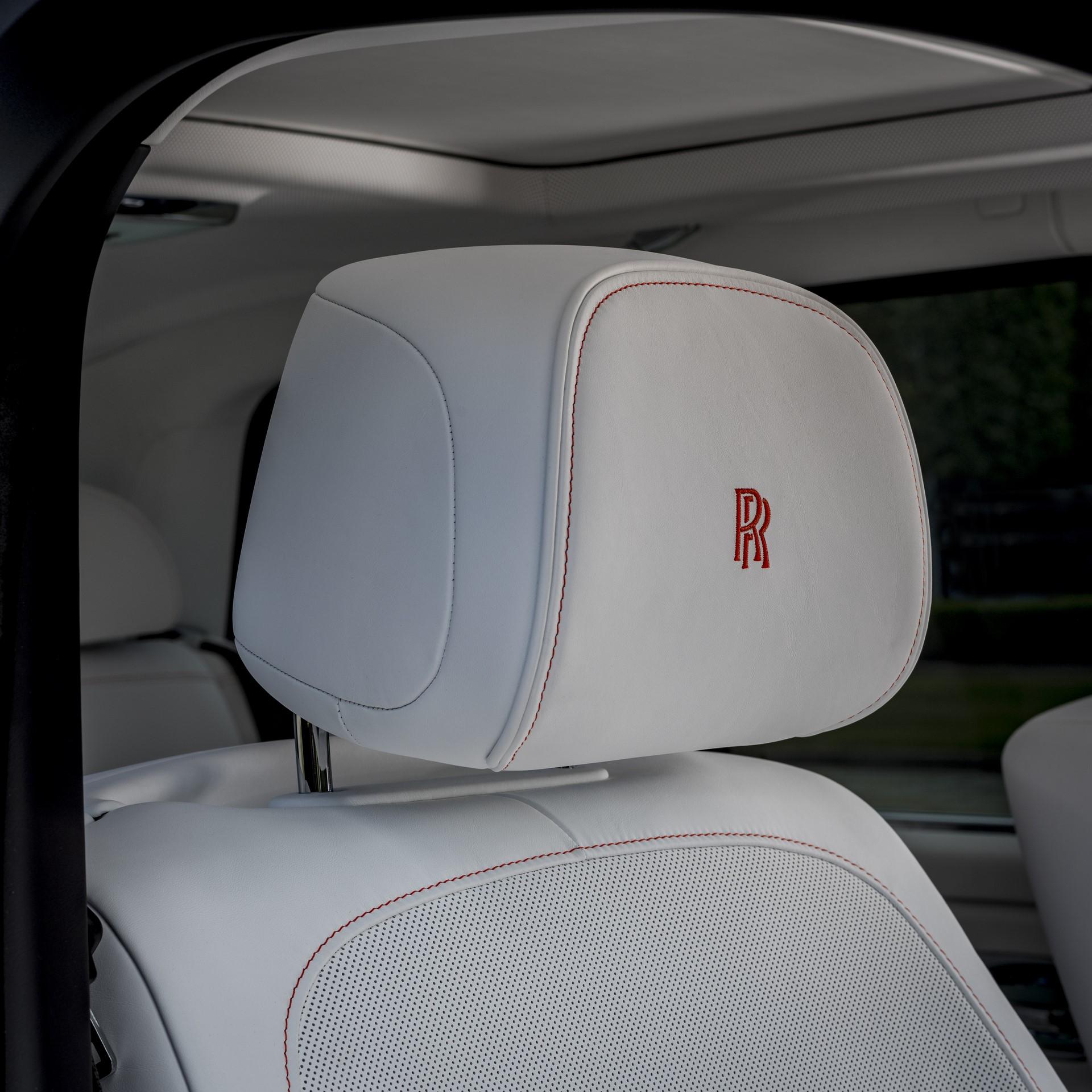 Rolls-Royce-Cullinan-Orange-Fux-8