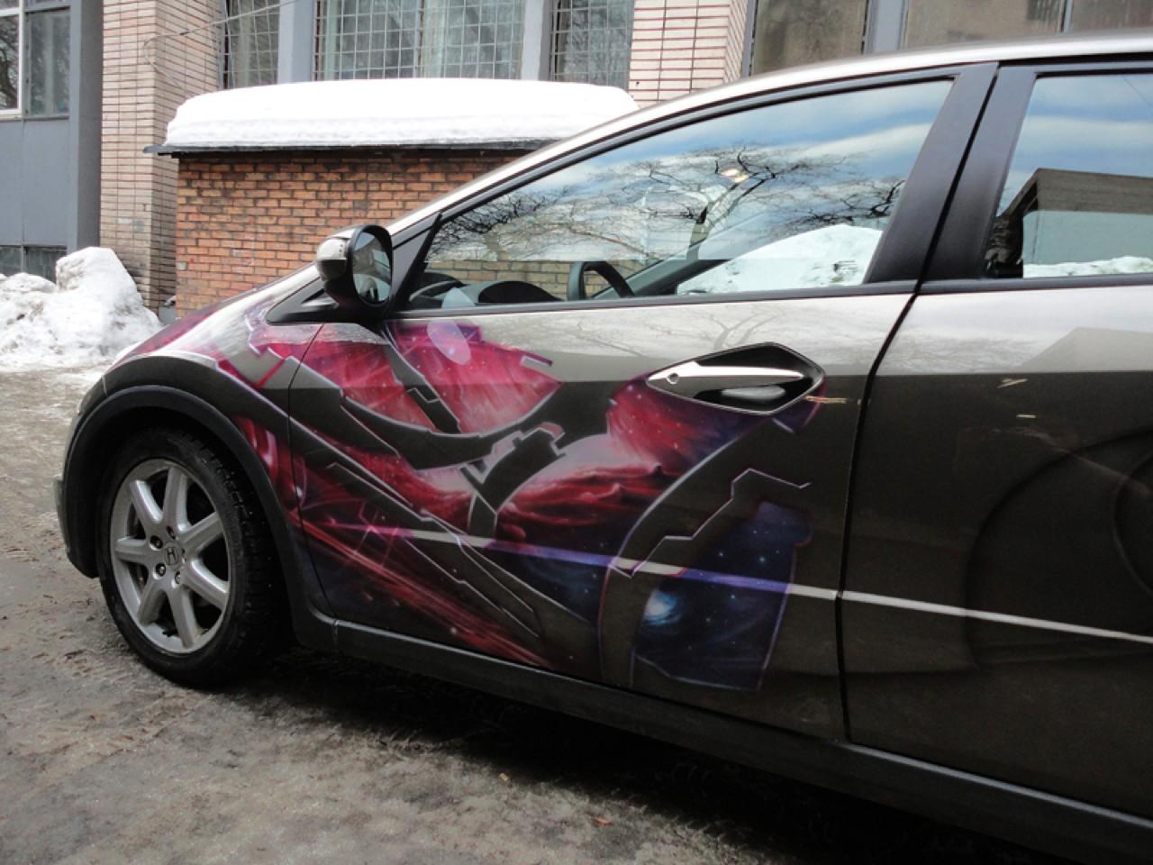 سيارات رائعة بلوحات فنية طبيعية اروع Russia-airbrush-cars-12
