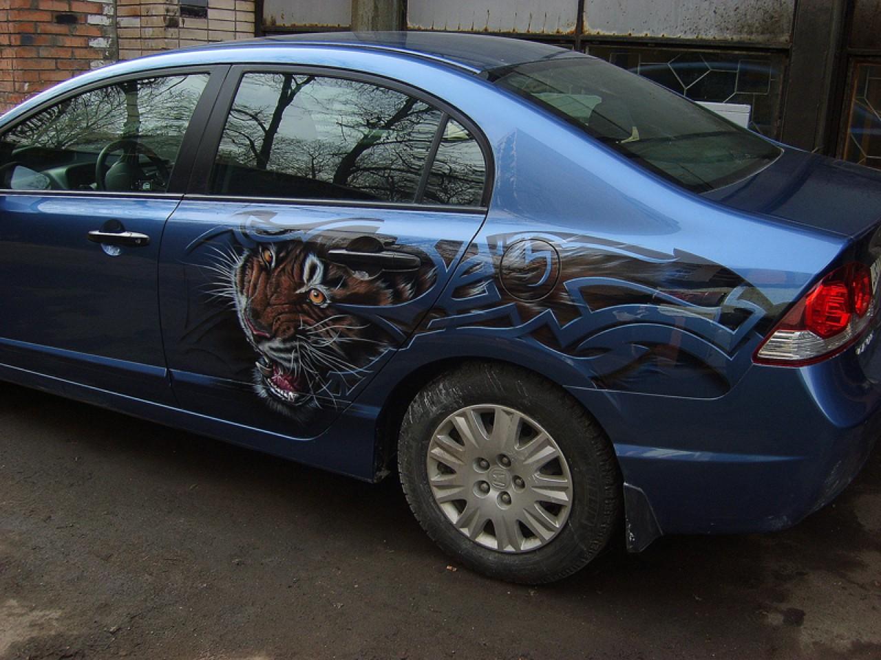 سيارات رائعة بلوحات فنية طبيعية اروع Russia-airbrush-cars-27