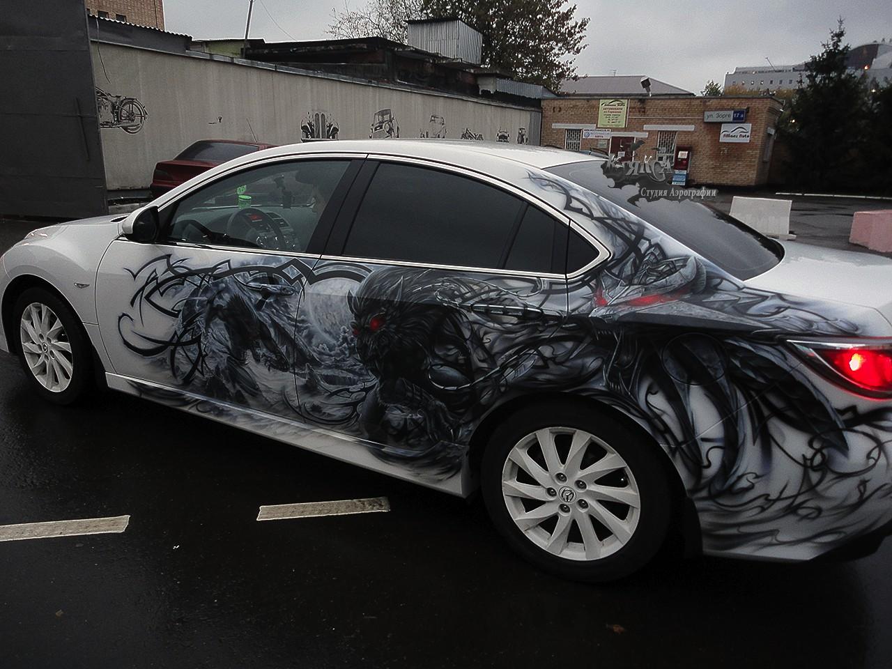 سيارات رائعة بلوحات فنية طبيعية اروع Russia-airbrush-cars-9