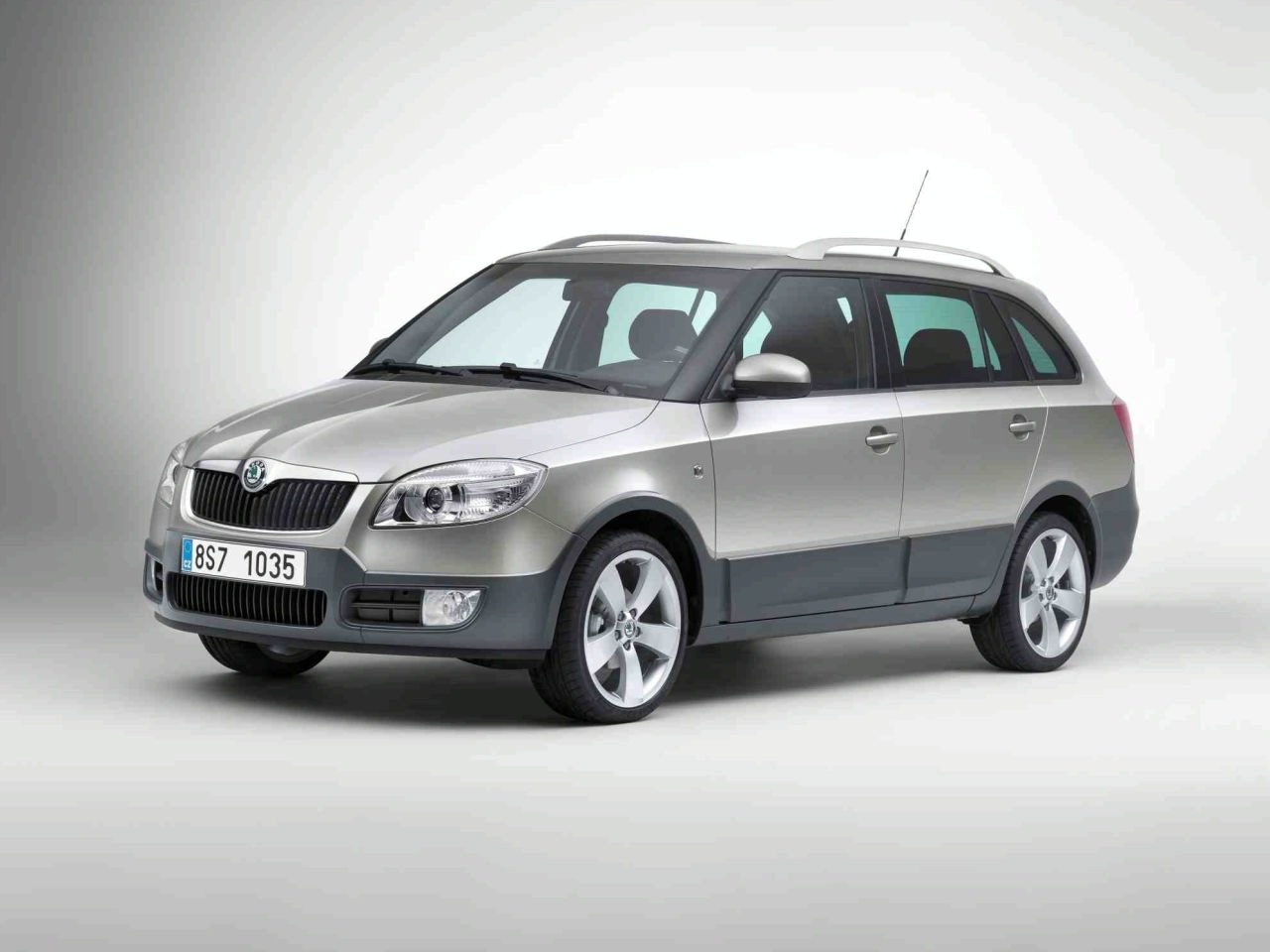 skoda fabia scout. Black Bedroom Furniture Sets. Home Design Ideas