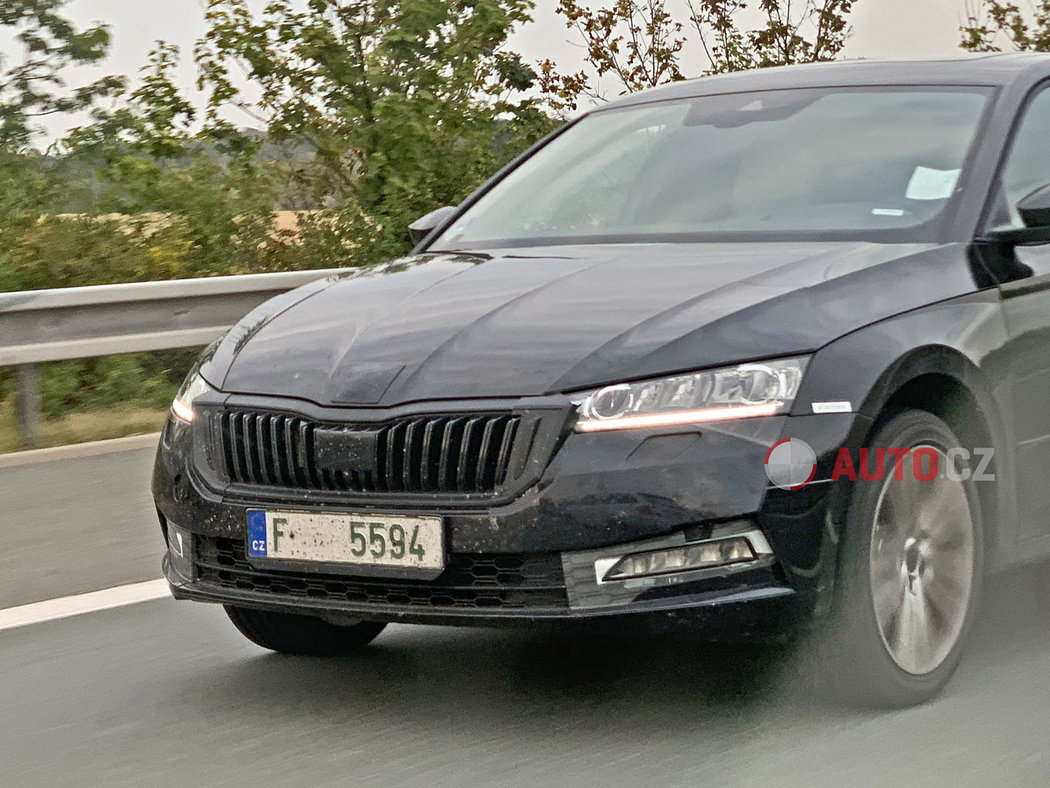 Skoda-Octavia-2020-spy-photos-16