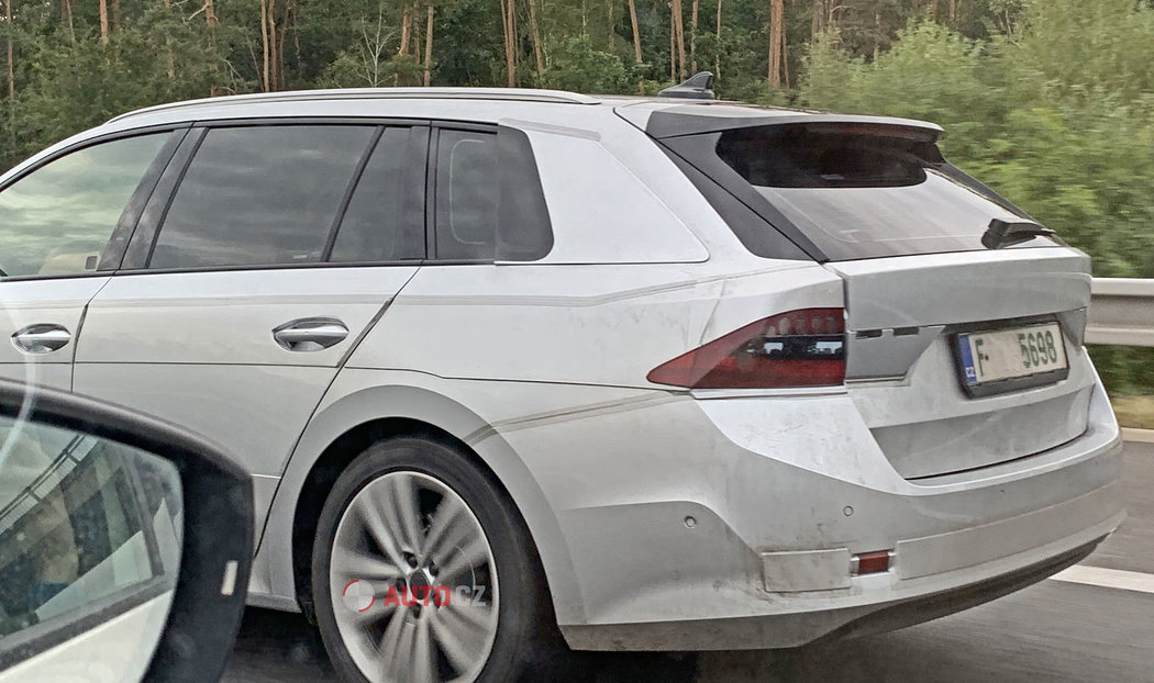 Skoda-Octavia-2020-spy-photos-25