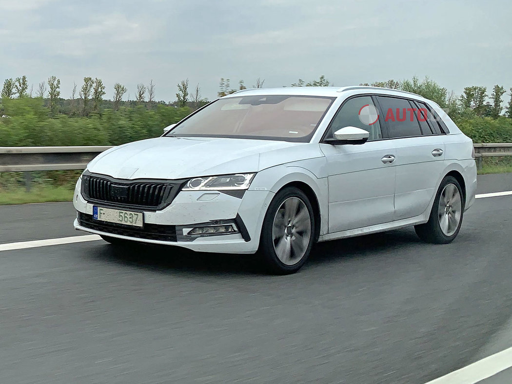 Skoda-Octavia-2020-spy-photos-4