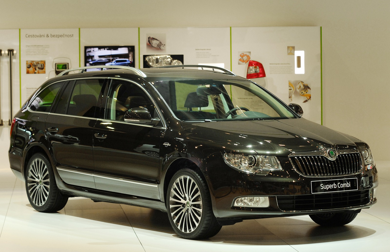 skoda superb combi laurin klement. Black Bedroom Furniture Sets. Home Design Ideas
