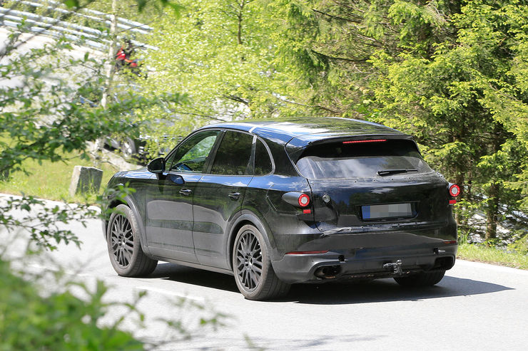 Spy_Photos_Porsche_Cayenne_04