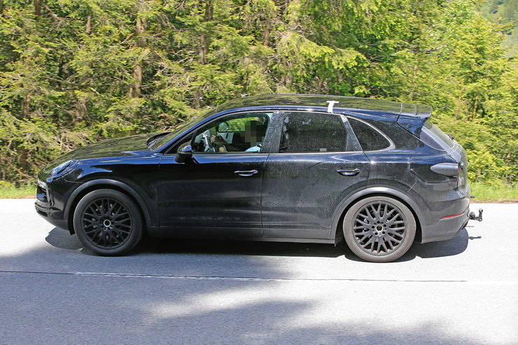 Spy_Photos_Porsche_Cayenne_06