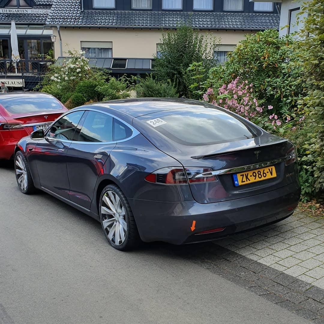 Tesla-Model-S-Nurburgring-1