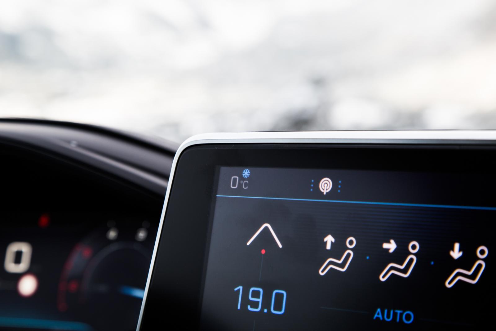 Test_Drive_Peugeot_3008_1.6_BlueHDi_53