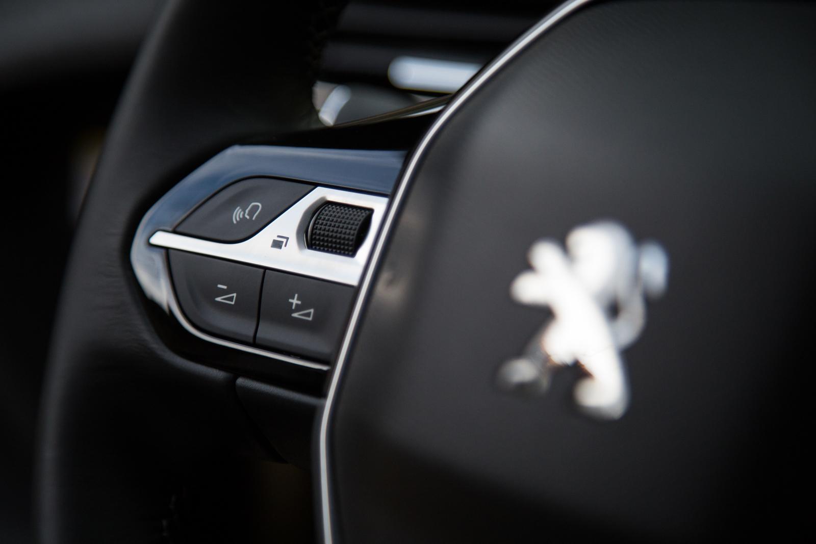 Test_Drive_Peugeot_3008_1.6_BlueHDi_75