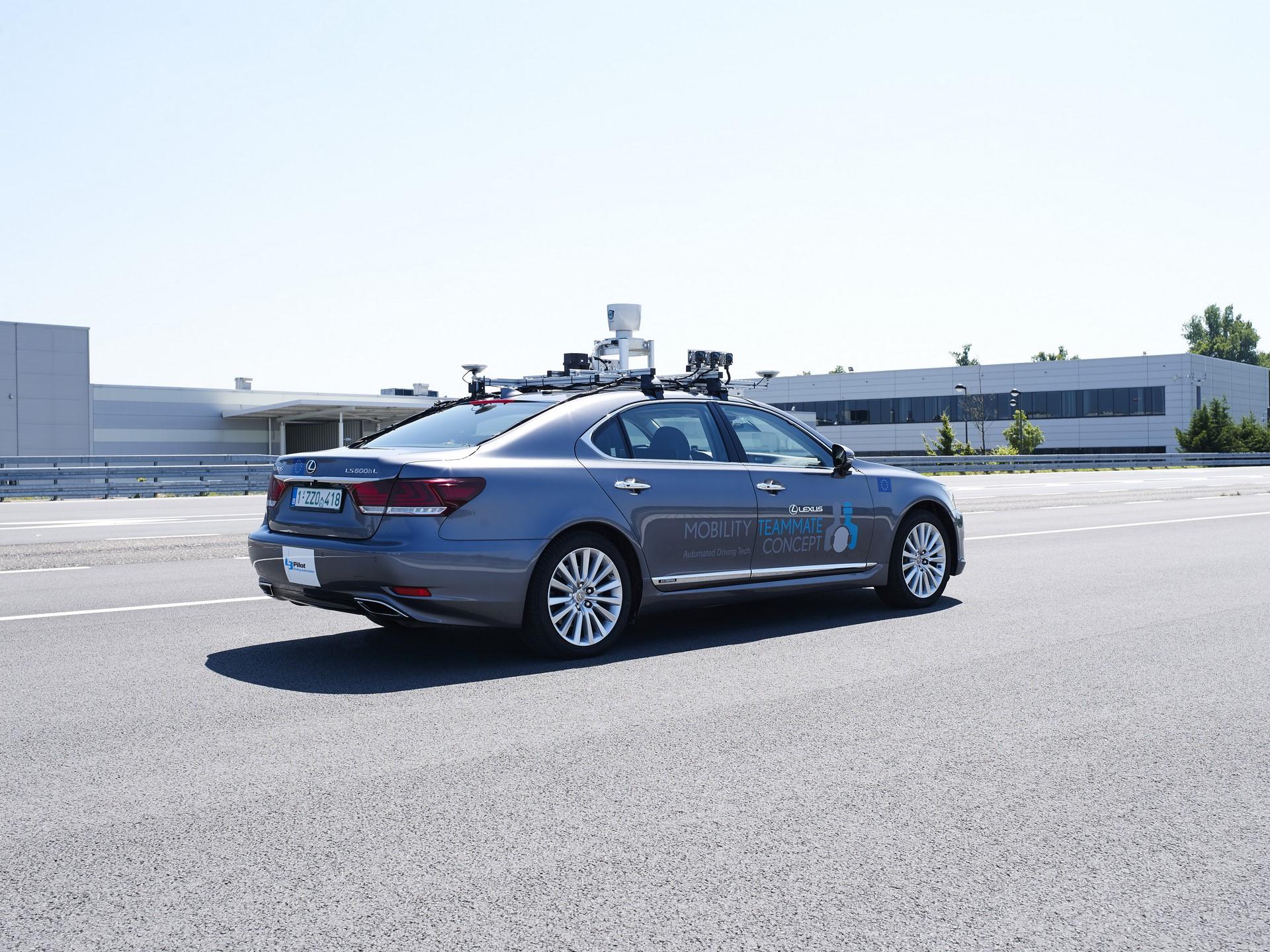 Toyota-Autonomous-Europe-Lexus-LS-1