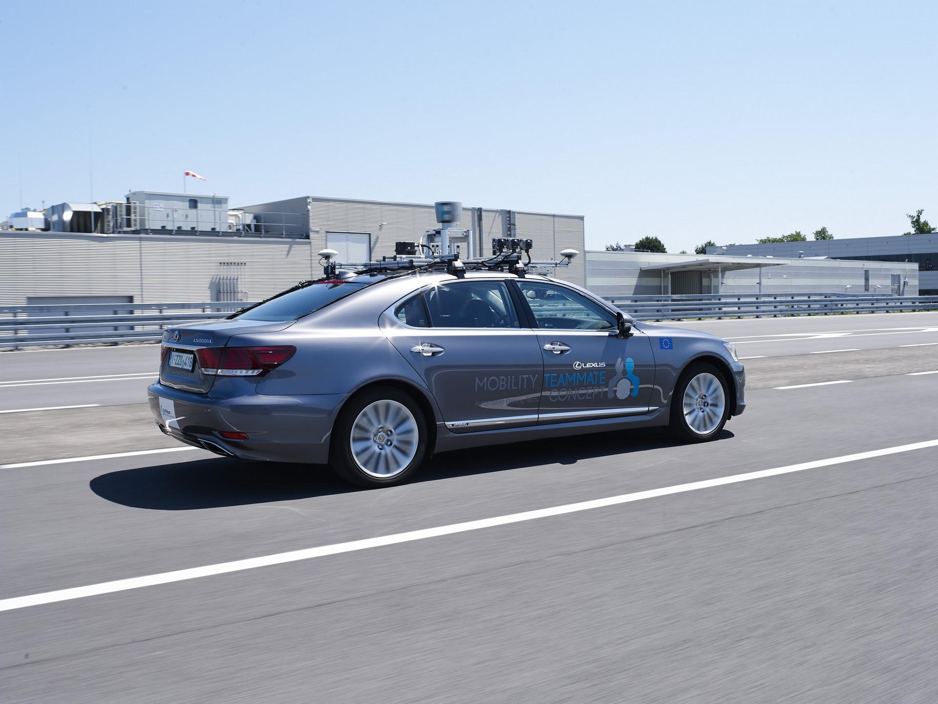 Toyota-Autonomous-Europe-Lexus-LS-10