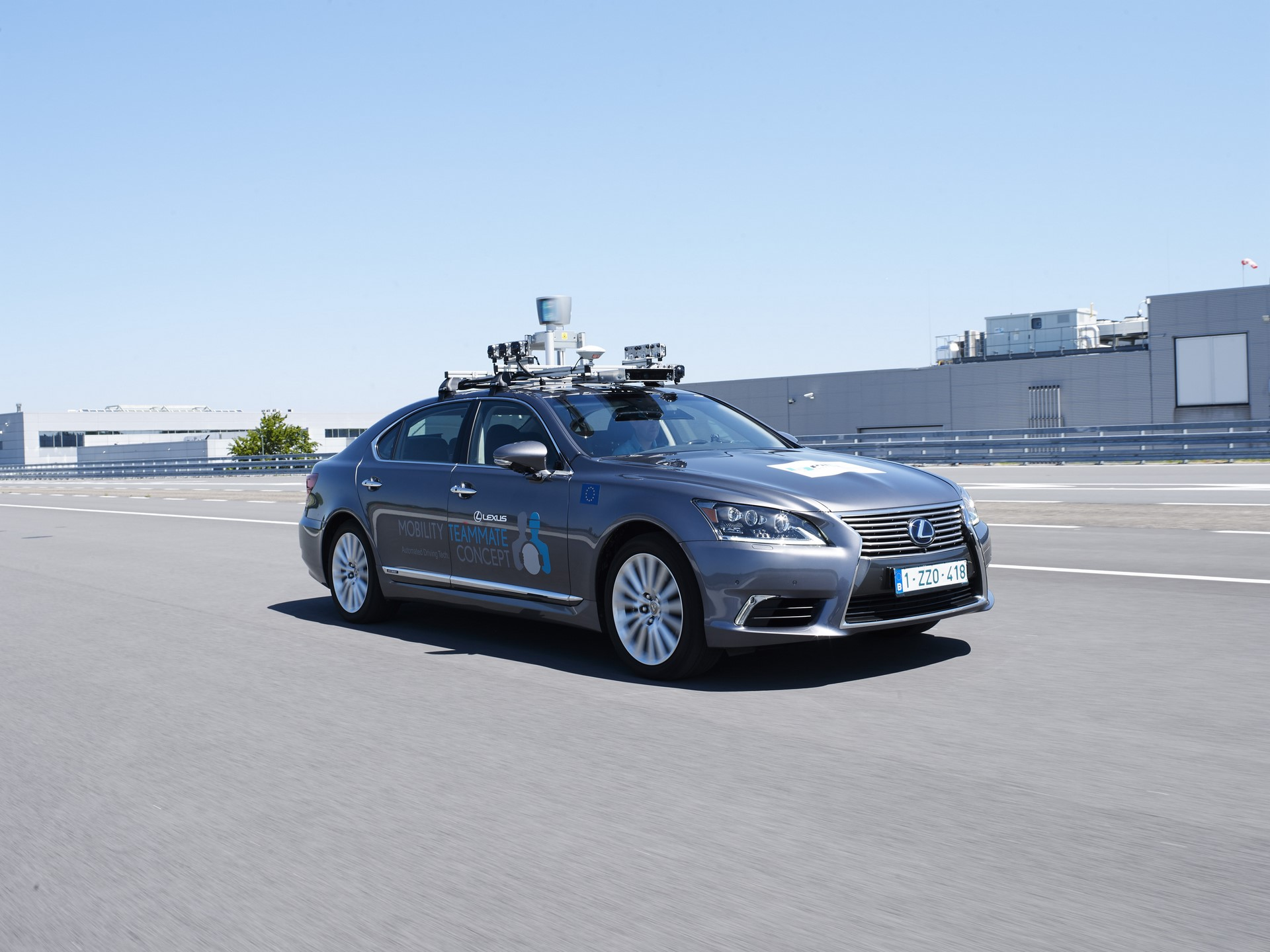 Toyota-Autonomous-Europe-Lexus-LS-12