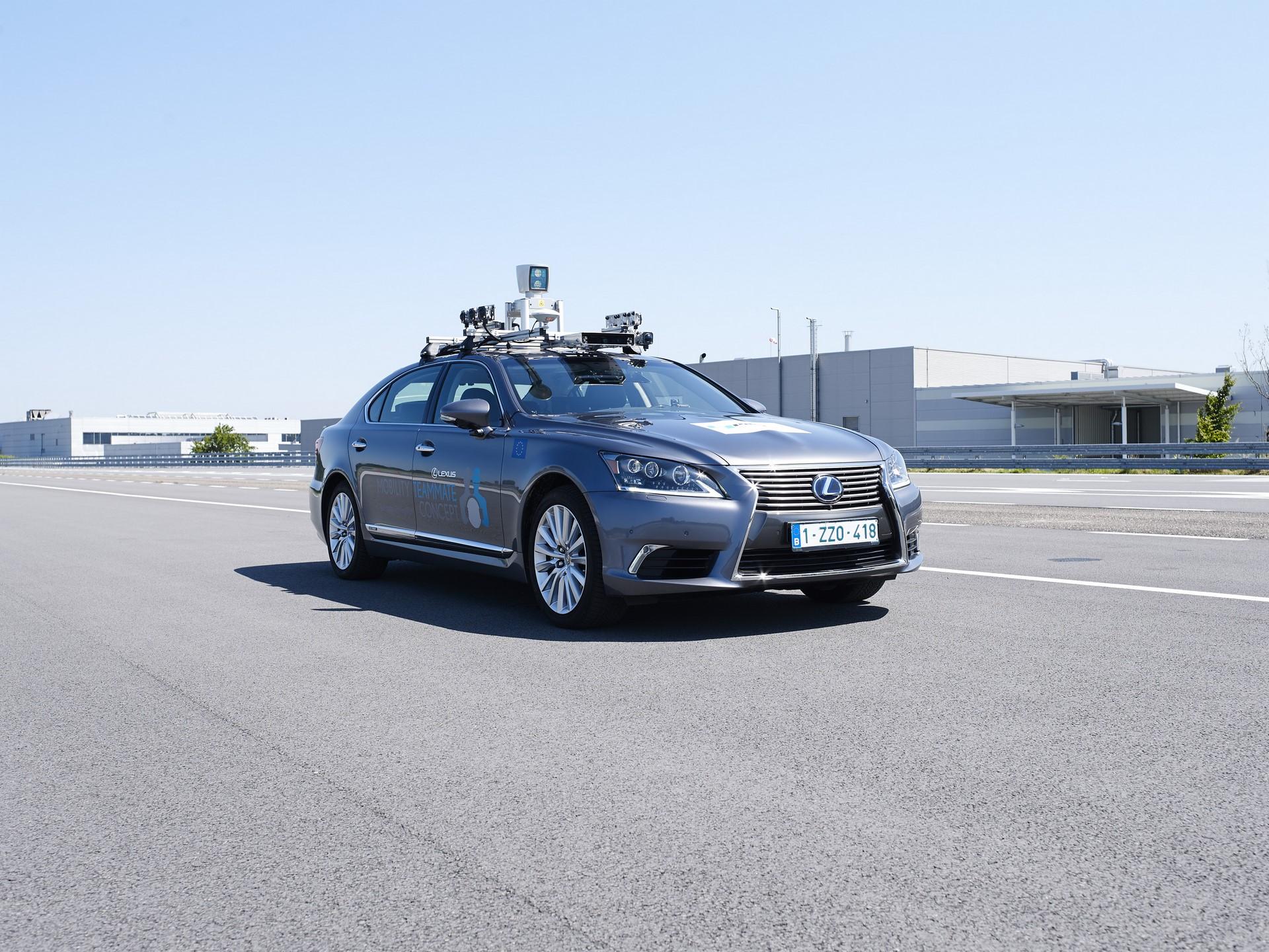 Toyota-Autonomous-Europe-Lexus-LS-13