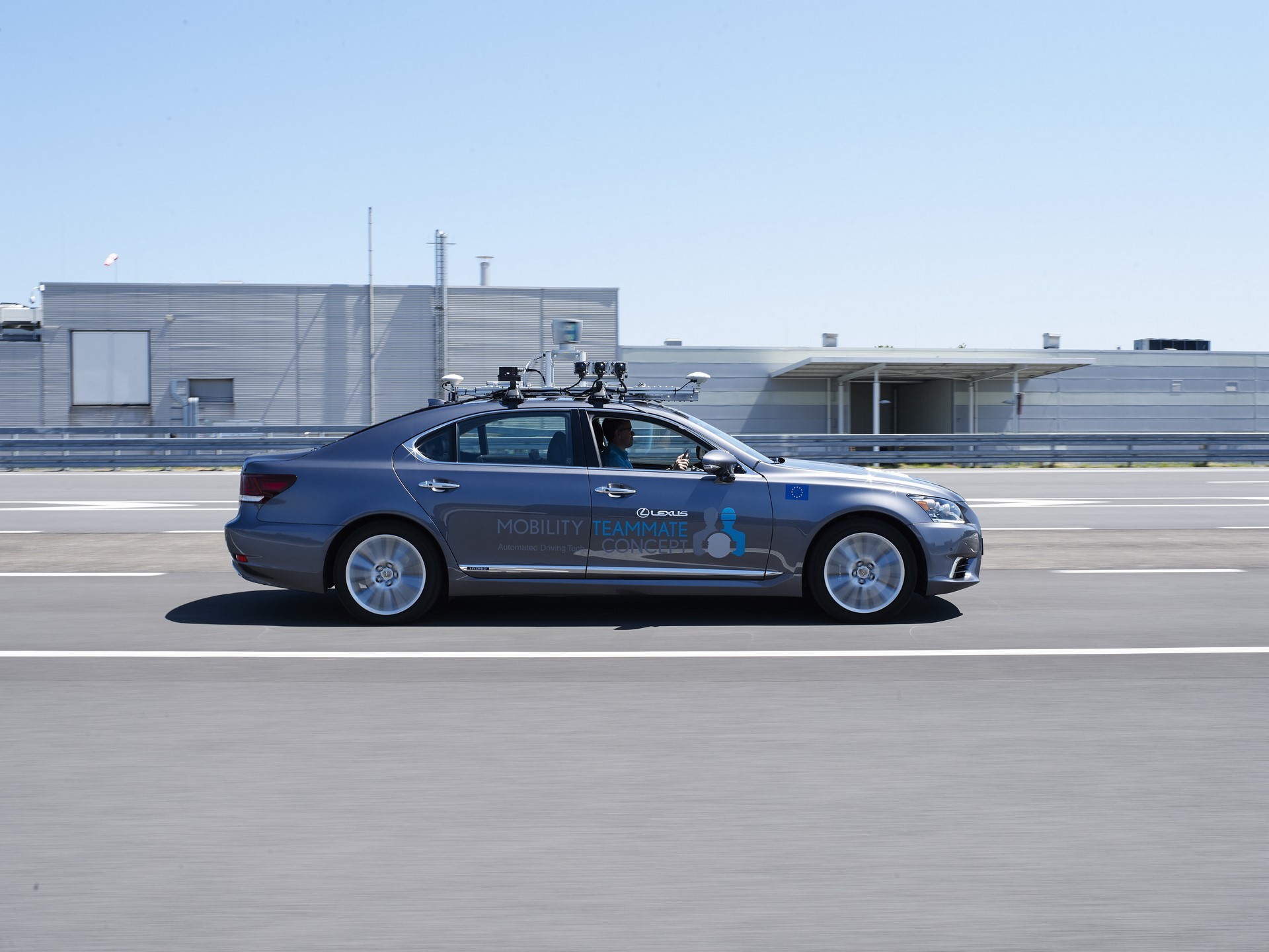 Toyota-Autonomous-Europe-Lexus-LS-3