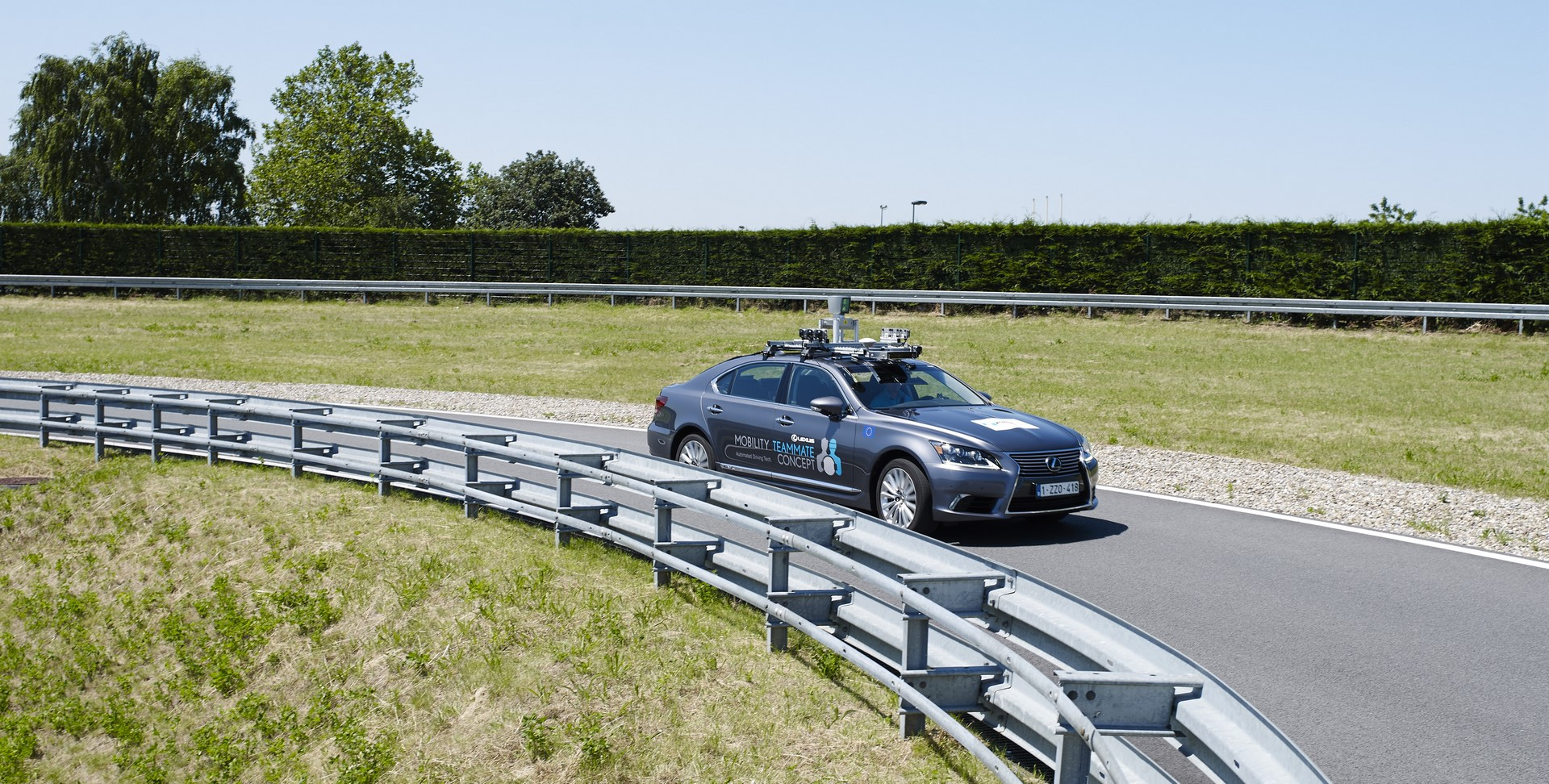 Toyota-Autonomous-Europe-Lexus-LS-7