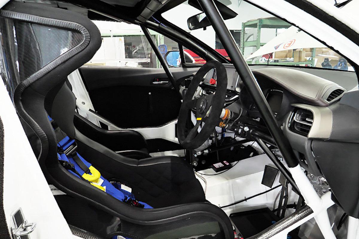 Toyota-C-HR-Cusco-World-Rally-Team-5