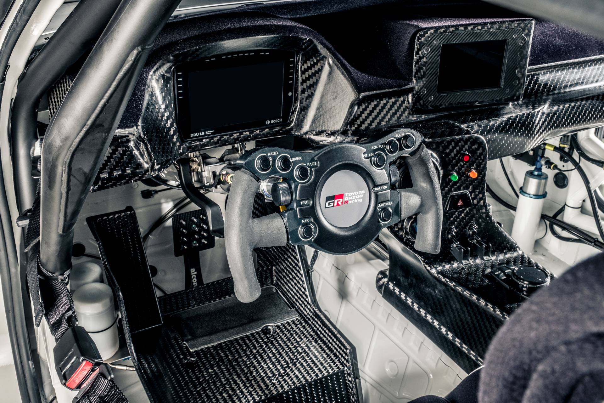 Toyota-GR-Supra-GT4-12
