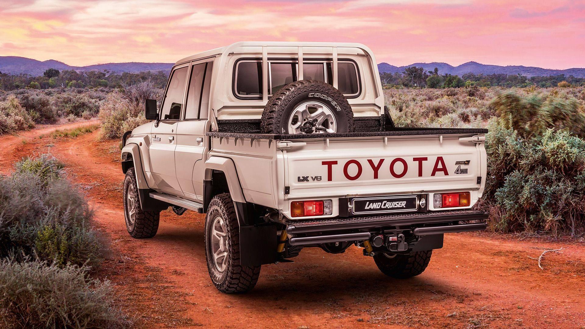 Toyota-Land-Cruiser-Namib-2