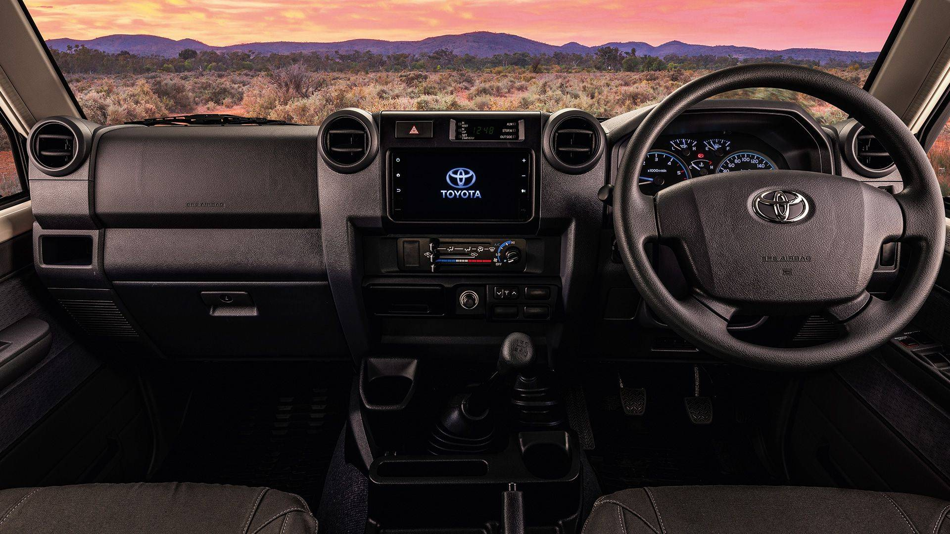 Toyota-Land-Cruiser-Namib-5