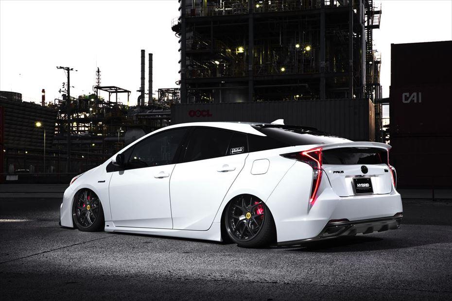 Toyota-Prius-by-Aimgain-11