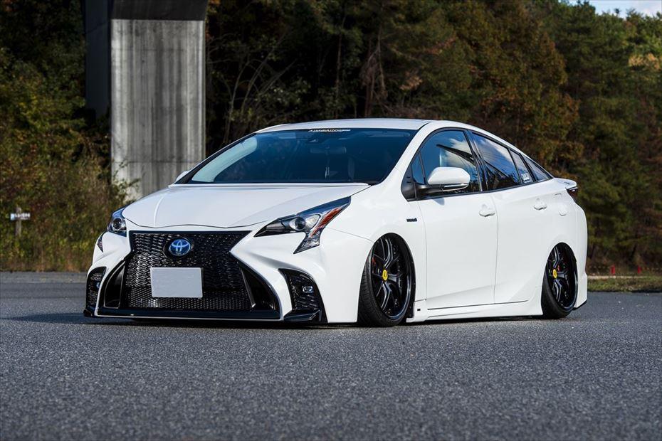 Toyota-Prius-by-Aimgain-12