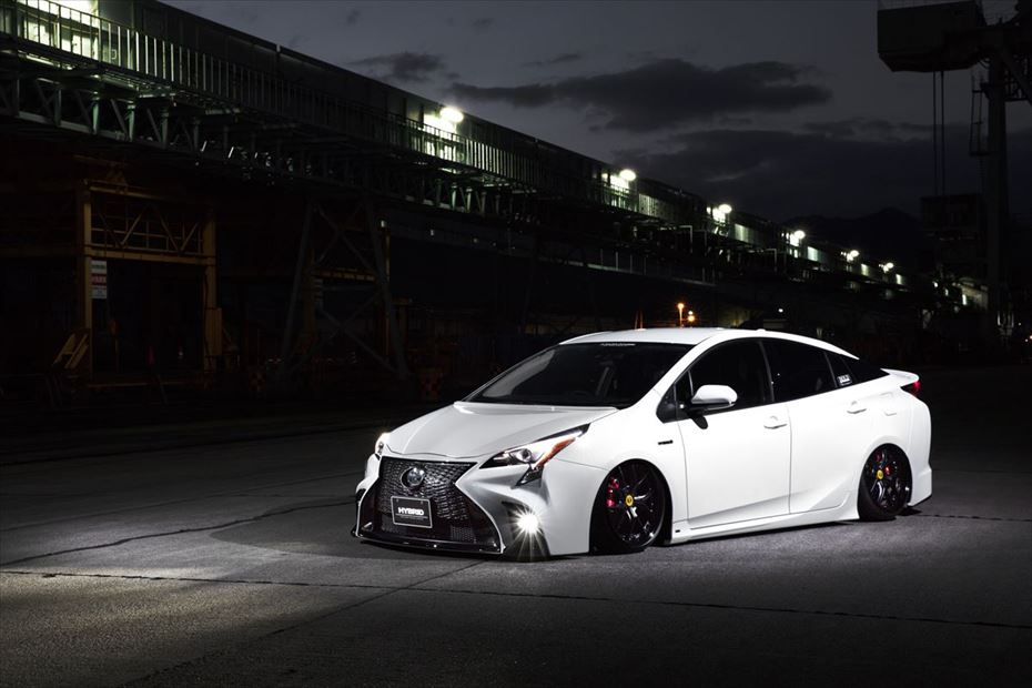 Toyota-Prius-by-Aimgain-4