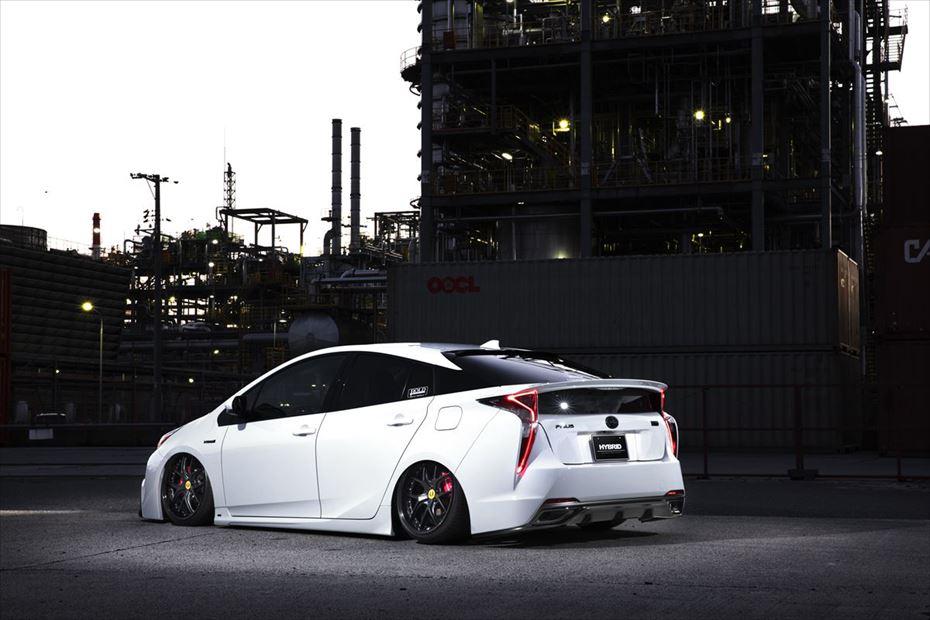 Toyota-Prius-by-Aimgain-5