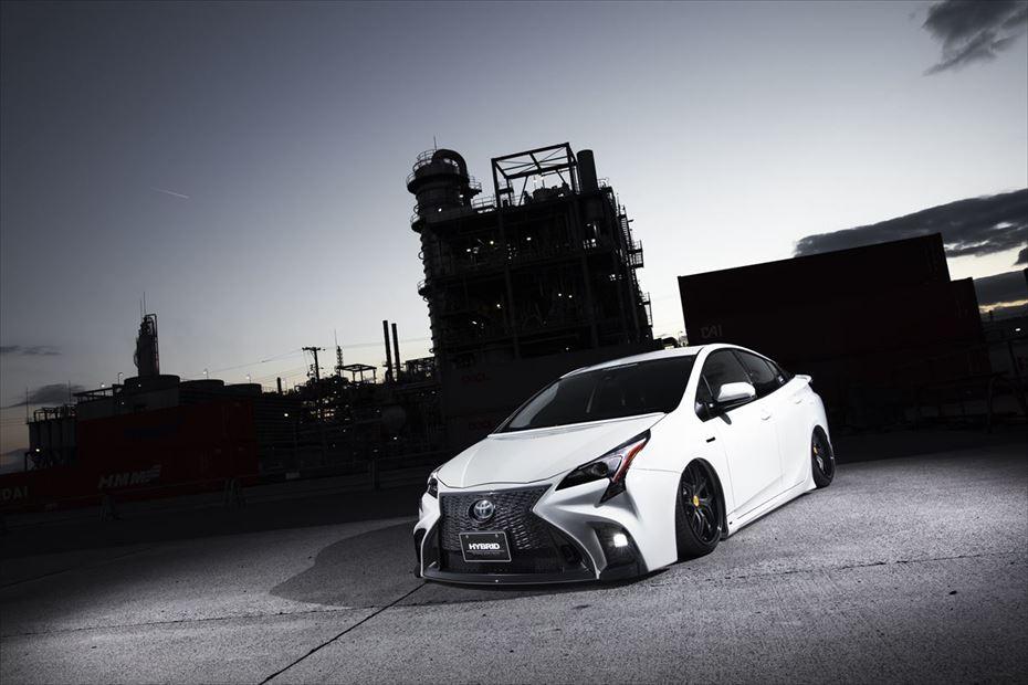 Toyota-Prius-by-Aimgain-6