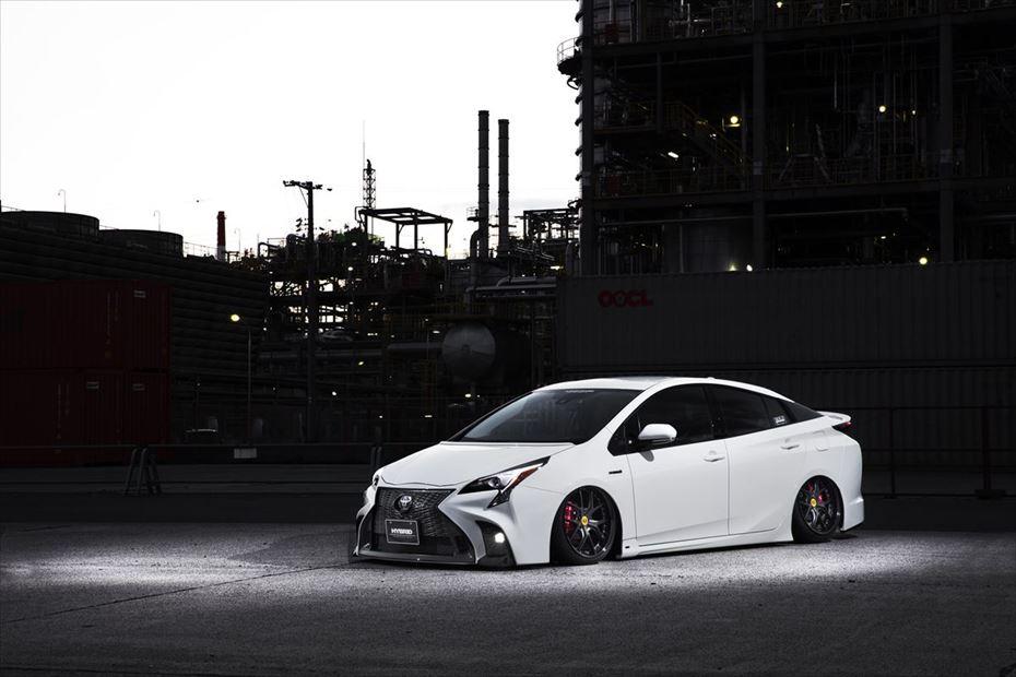 Toyota-Prius-by-Aimgain-9