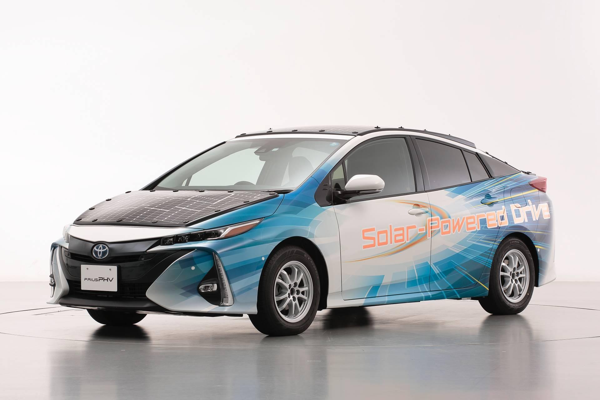 Toyota-Prius-Prime-With-Solar-Panels-3