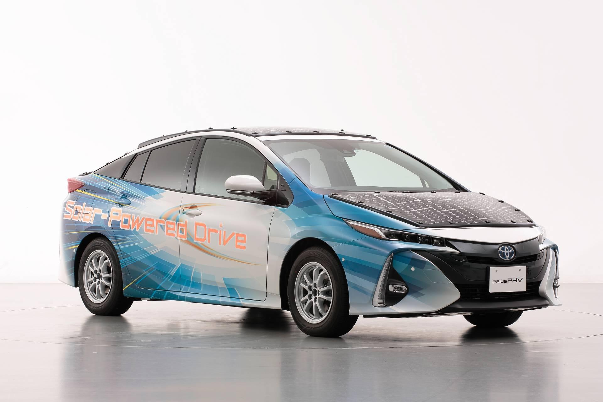 Toyota-Prius-Prime-With-Solar-Panels-8