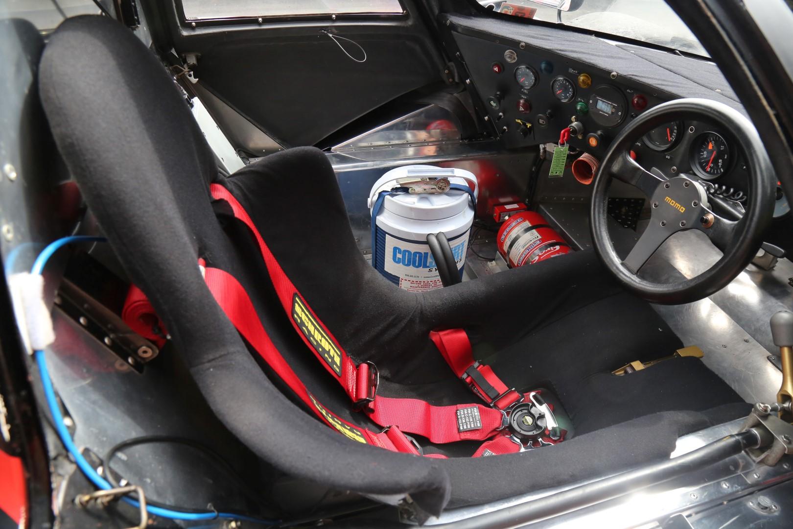 Porsche-962-38