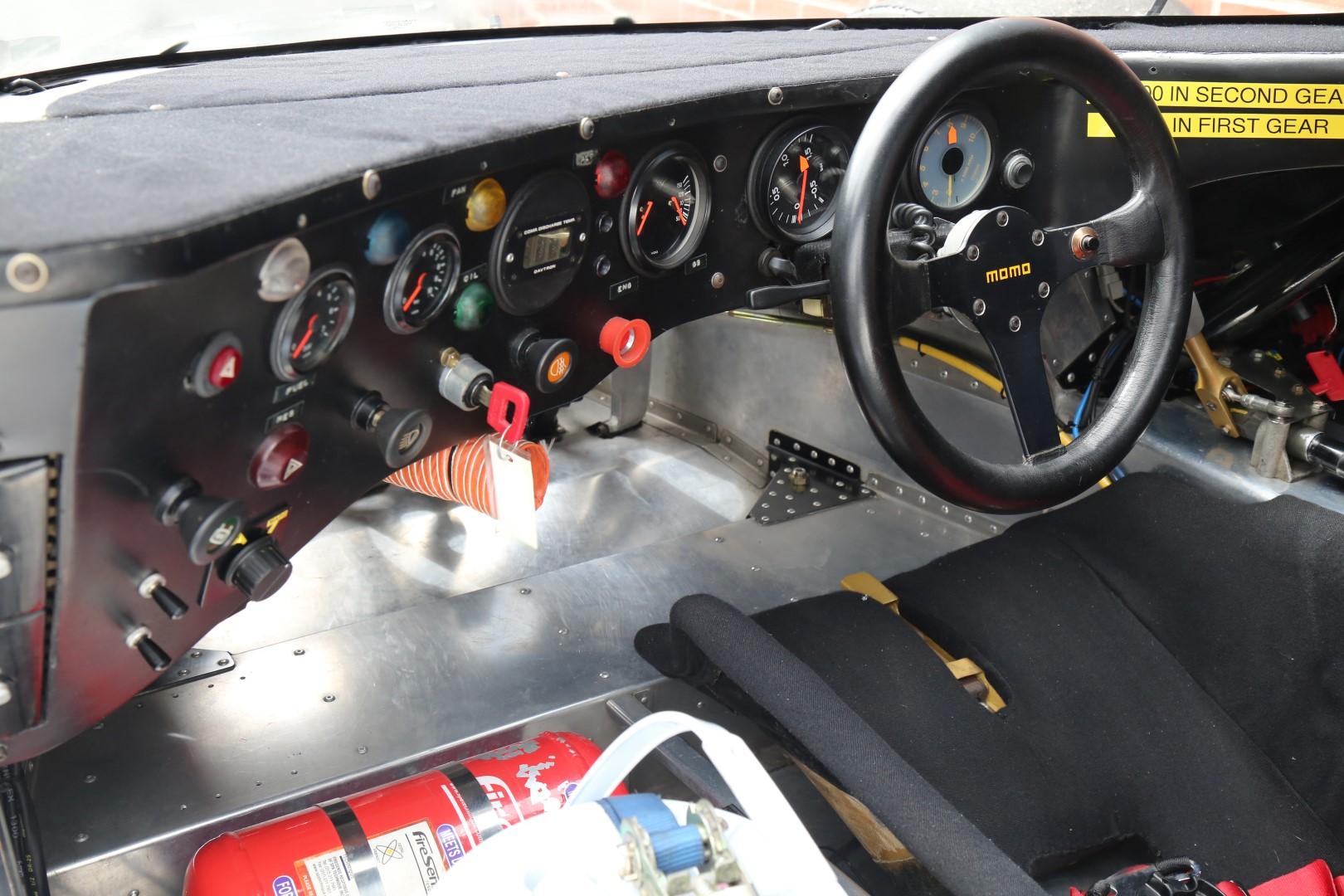 Porsche-962-41