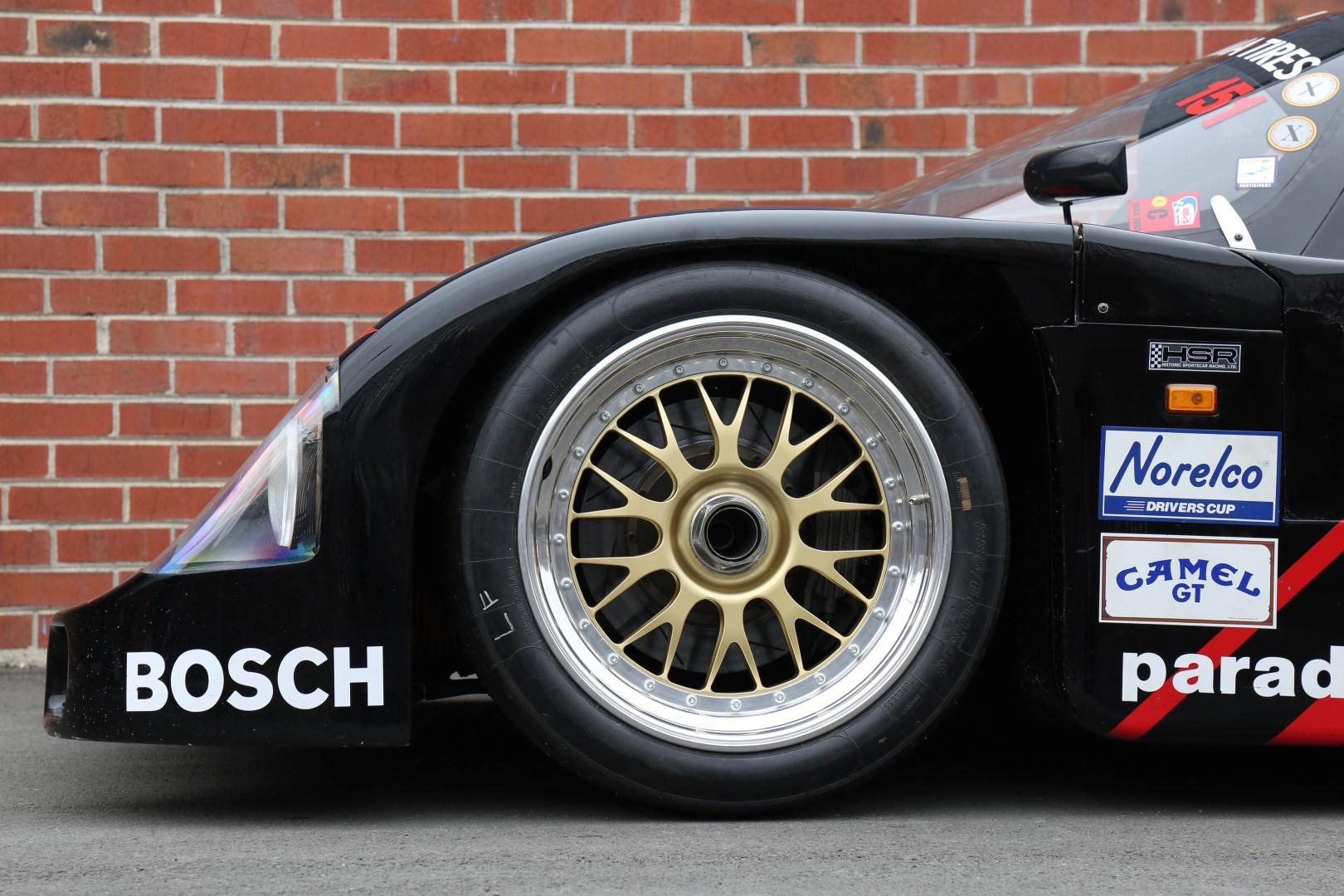 Porsche-962-47